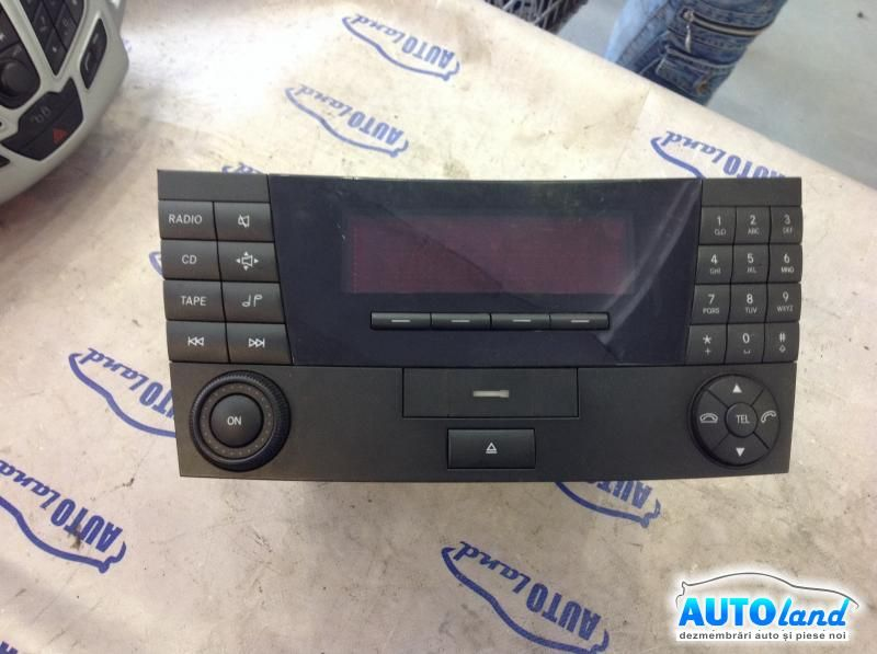 CD Audio MERCEDES-BENZ E-CLASS (W211) 2002-2008 Cod A2118200079