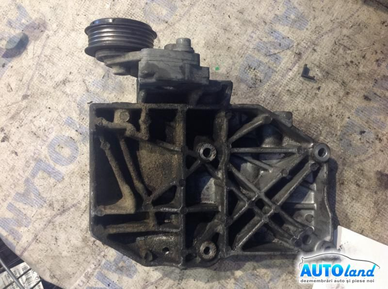 Suport Alternator VOLKSWAGEN PASSAT (3B2) 1996-2000 Cod 038260885C